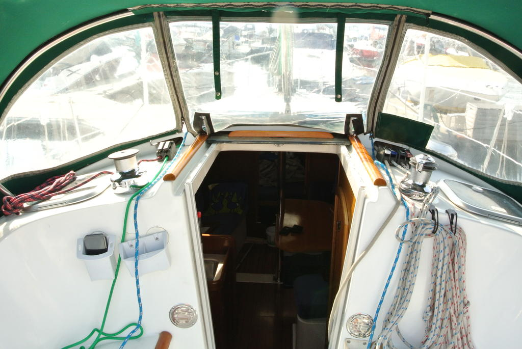 1998 Beneteau boat for sale, model of the boat is Oceanis 321 & Image # 5 of 18