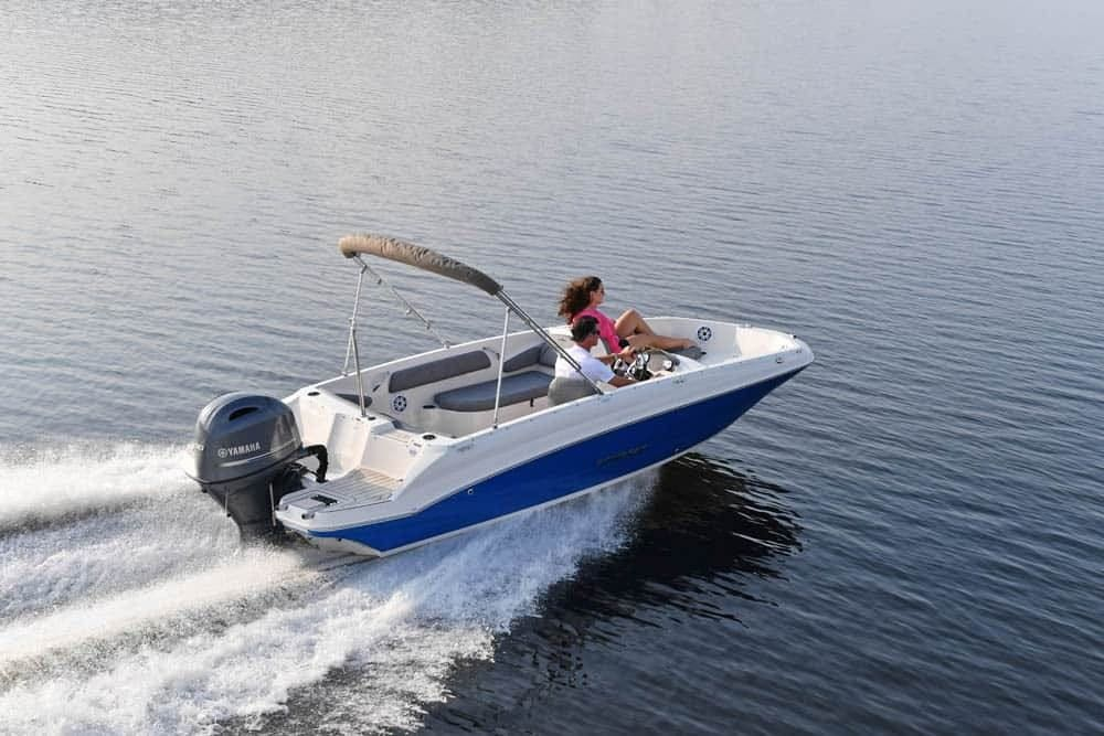 2022 Stingray boat for sale, model of the boat is 182SC & Image # 1 of 6
