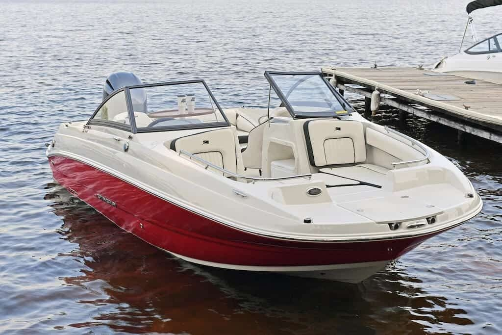 2022 Stingray boat for sale, model of the boat is 201DC & Image # 2 of 6
