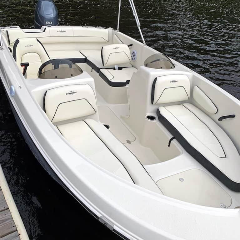 2022 Stingray boat for sale, model of the boat is 172SC & Image # 2 of 7