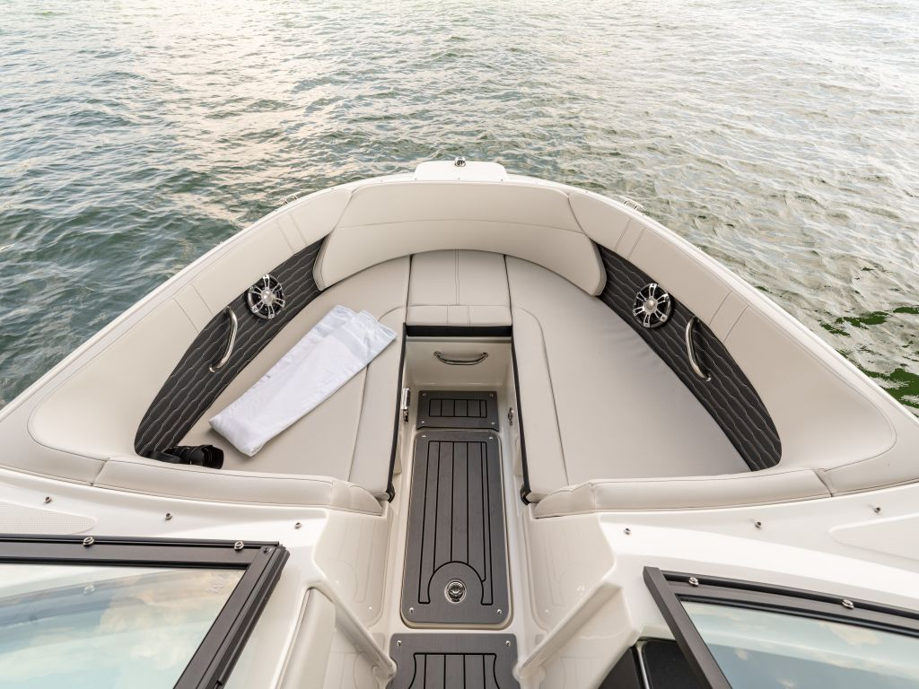 2022 Sea Ray boat for sale, model of the boat is 230spxo & Image # 2 of 6