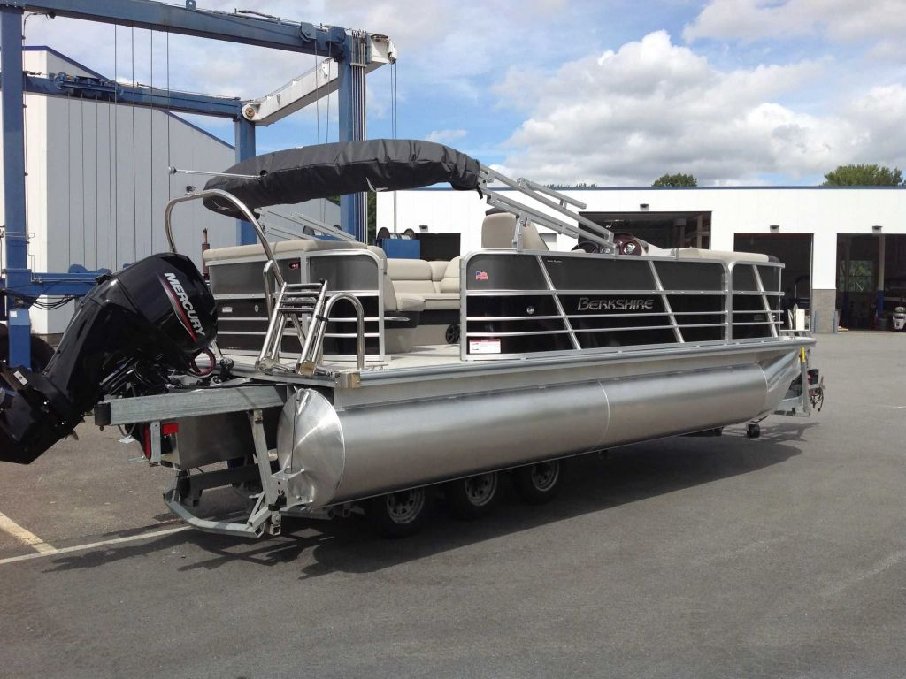 2021 Berkshire Pontoons boat for sale, model of the boat is 20cl LE & Image # 2 of 12
