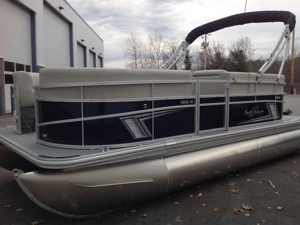 2022 SunChaser boat for sale, model of the boat is Vista 18 LR & Image # 2 of 9