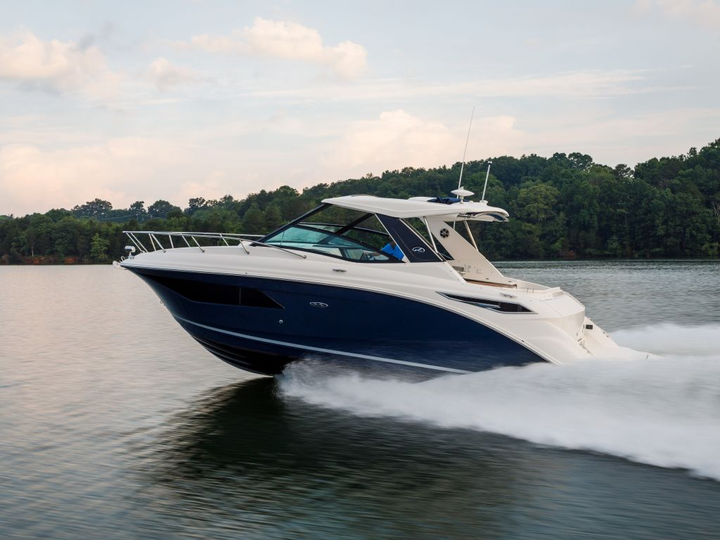 2021 Sea Ray boat for sale, model of the boat is 320 Sundancer & Image # 2 of 21