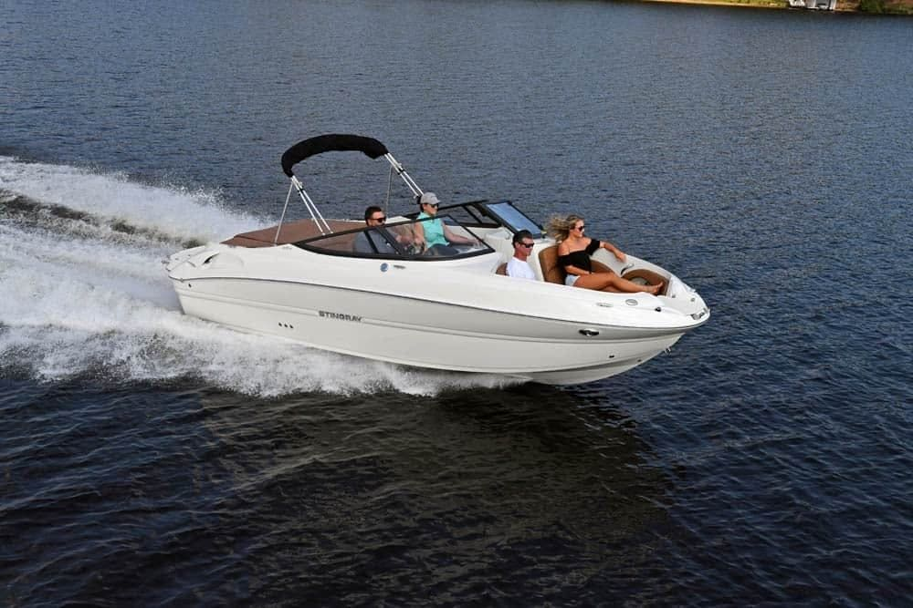2022 Stingray boat for sale, model of the boat is 215lr & Image # 2 of 4