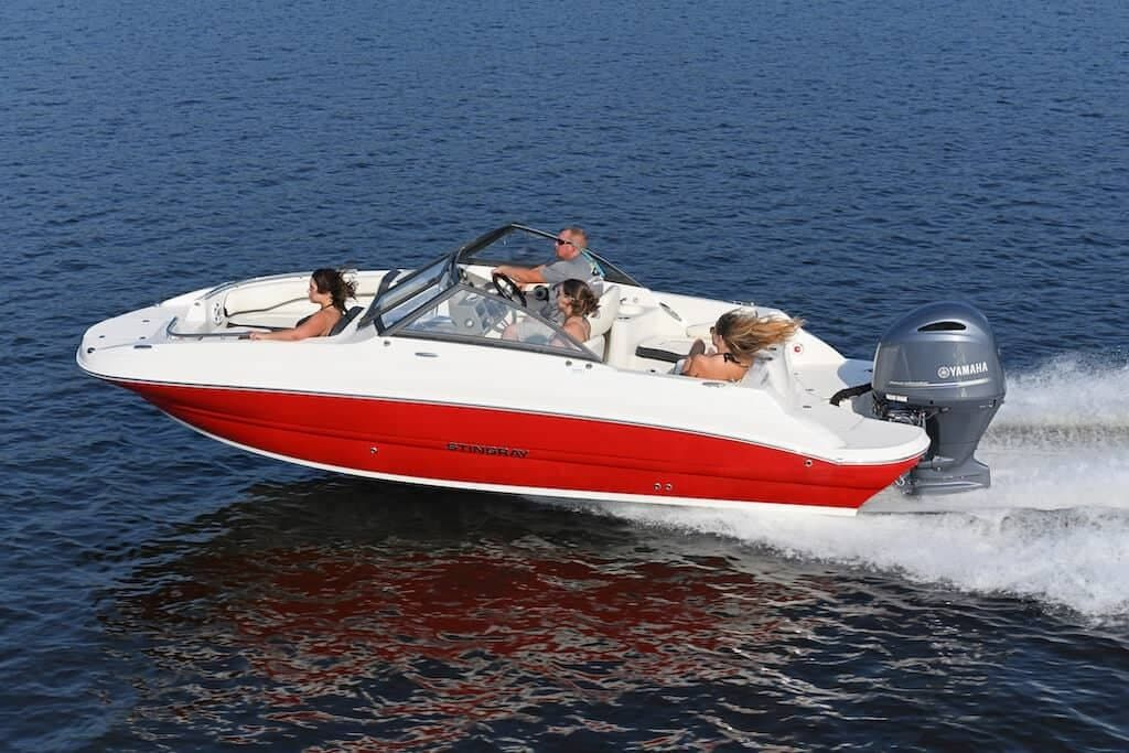 2022 Stingray boat for sale, model of the boat is 201DC & Image # 1 of 6
