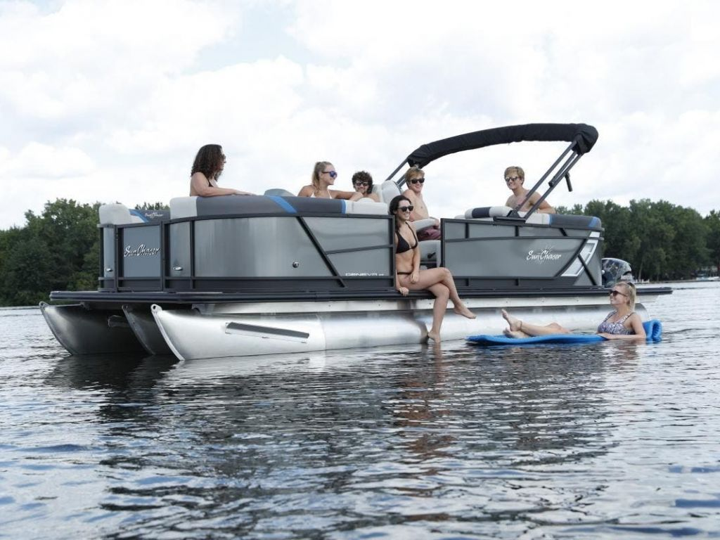 2022 SunChaser boat for sale, model of the boat is GENEVA 22LR DH & Image # 2 of 4