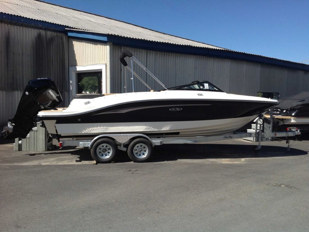 2021 Sea Ray boat for sale, model of the boat is 210 SPXO & Image # 1 of 13