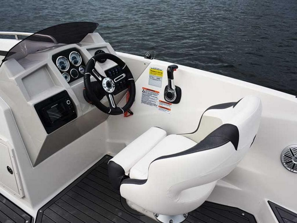 2022 Starcraft boat for sale, model of the boat is SVX 211 OB & Image # 2 of 4