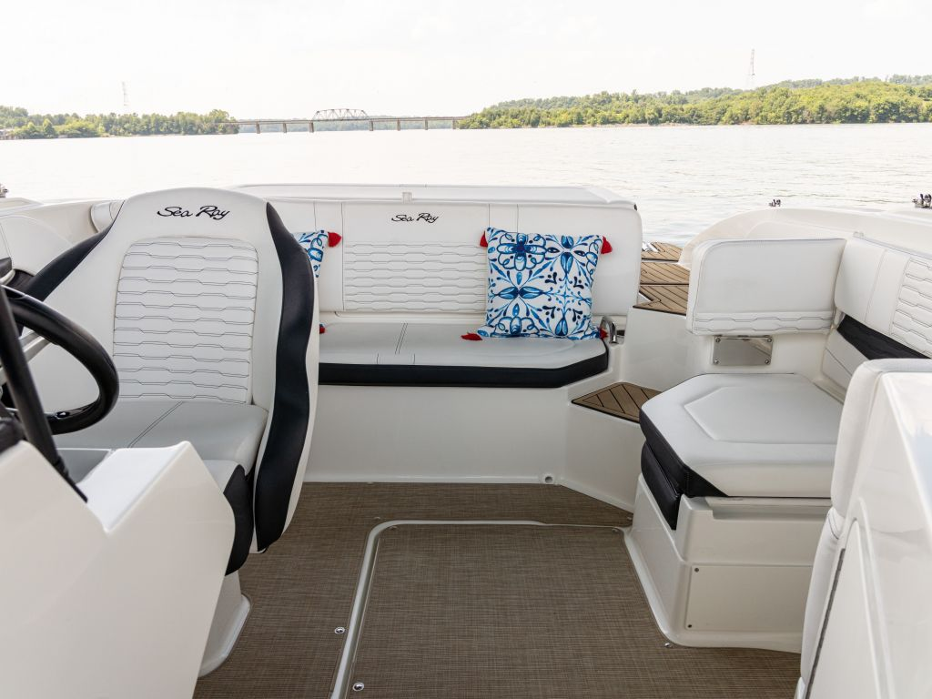 2022 Sea Ray boat for sale, model of the boat is 190spx & Image # 2 of 6