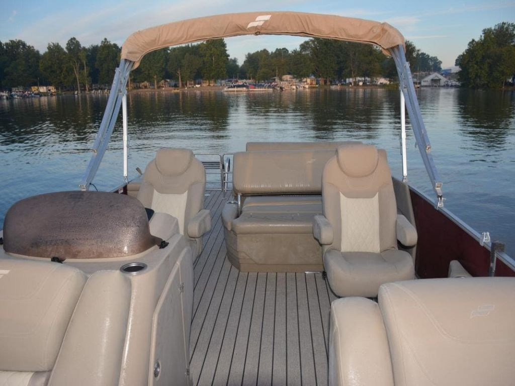 2022 Starcraft boat for sale, model of the boat is CX 23DL & Image # 2 of 15