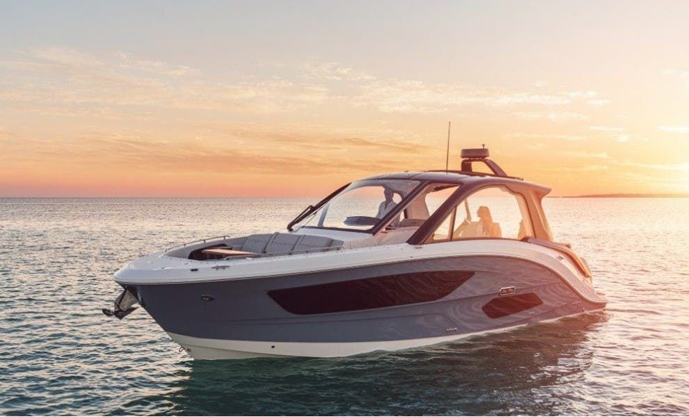 2022 Sea Ray boat for sale, model of the boat is 370DAO & Image # 2 of 8