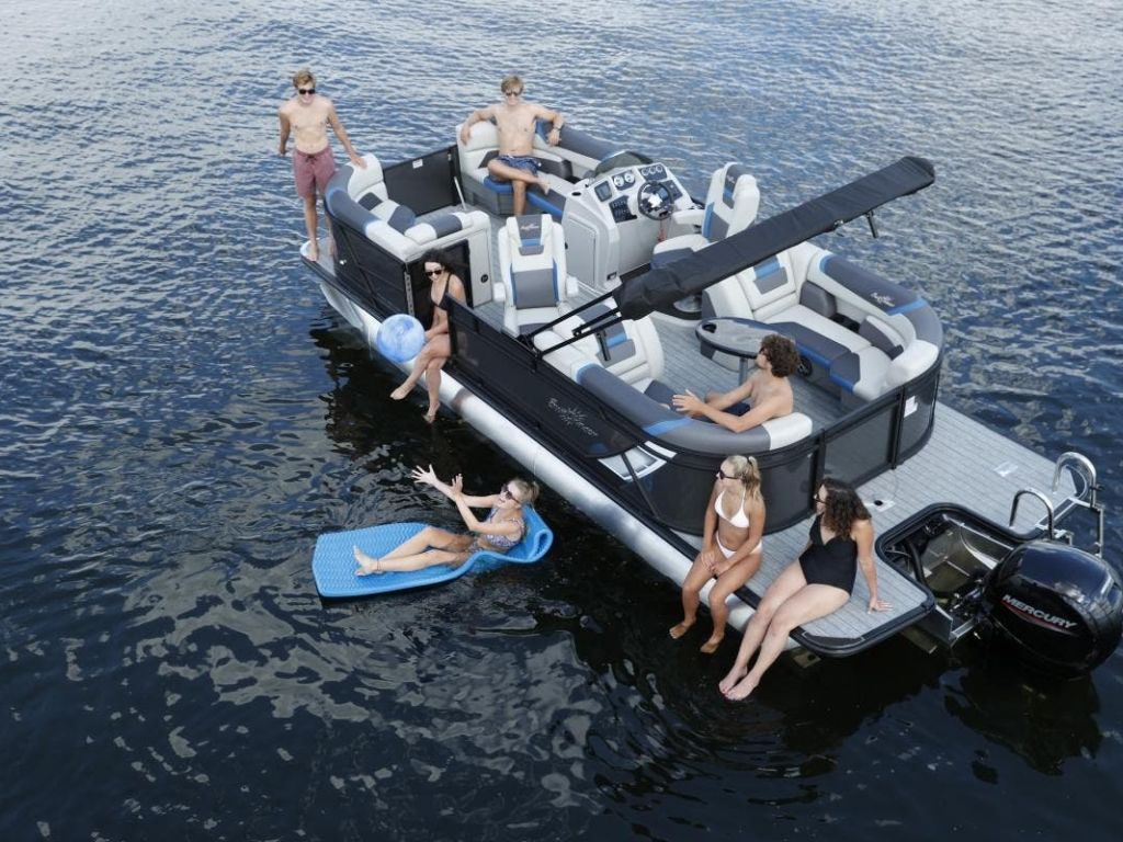2022 SunChaser boat for sale, model of the boat is GENEVA 22LR DH & Image # 1 of 4