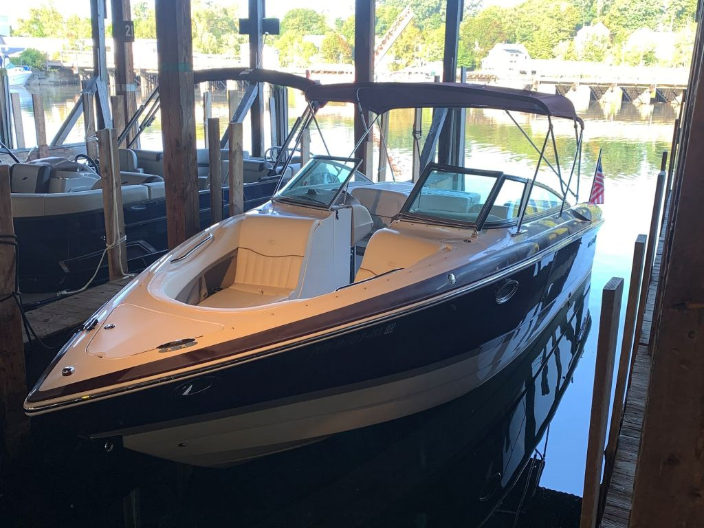 2007 Cobalt boat for sale, model of the boat is 282 & Image # 1 of 10