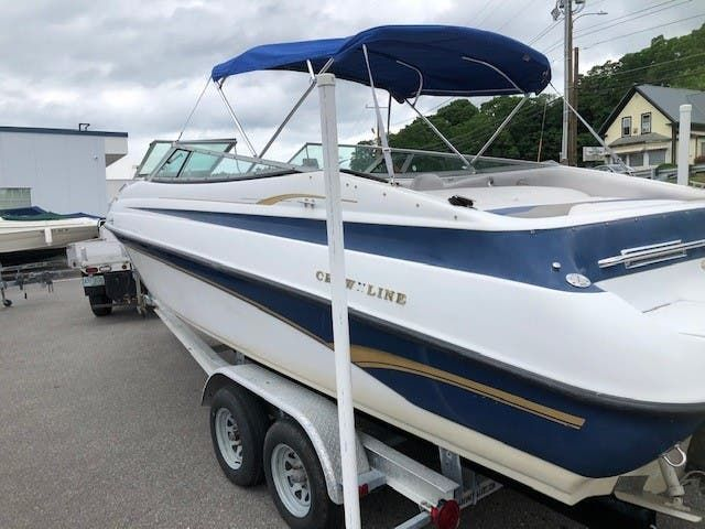 1998 Crownline boat for sale, model of the boat is 266 BR & Image # 2 of 5