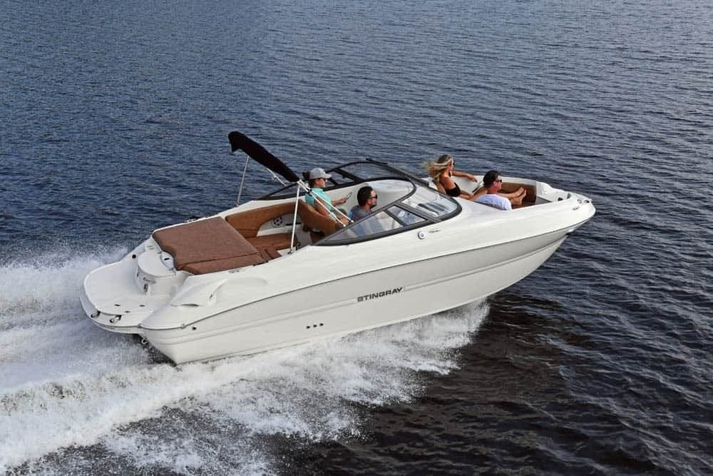 2022 Stingray boat for sale, model of the boat is 215lr & Image # 1 of 4