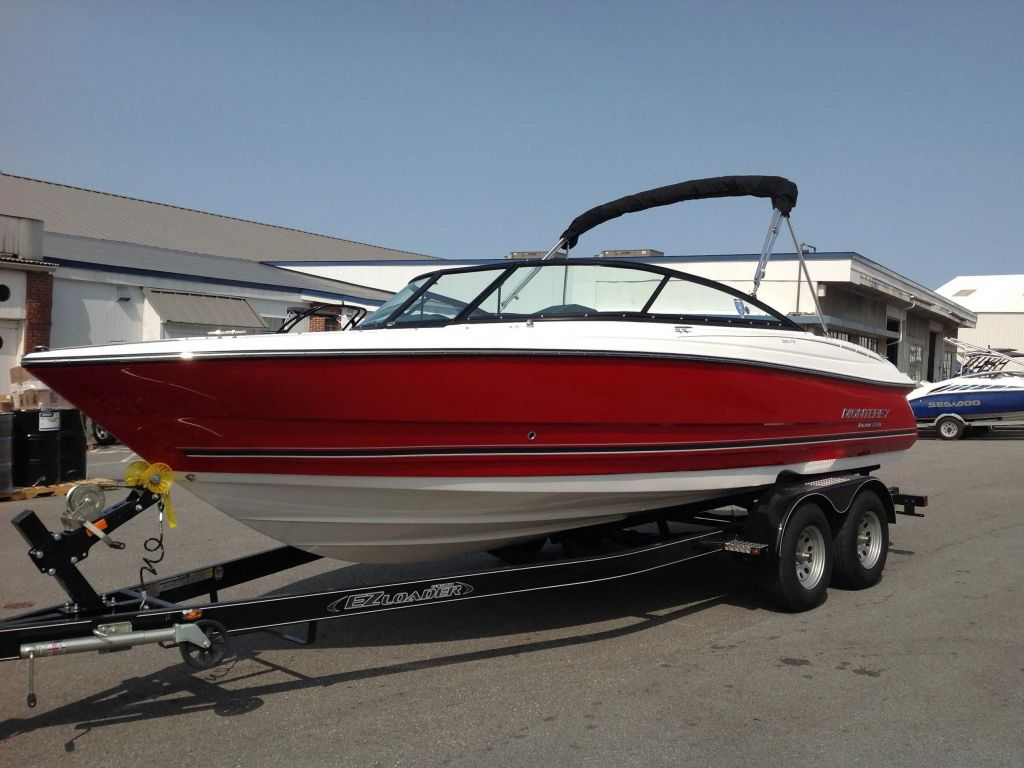 2022 Monterey boat for sale, model of the boat is 224FS & Image # 1 of 10