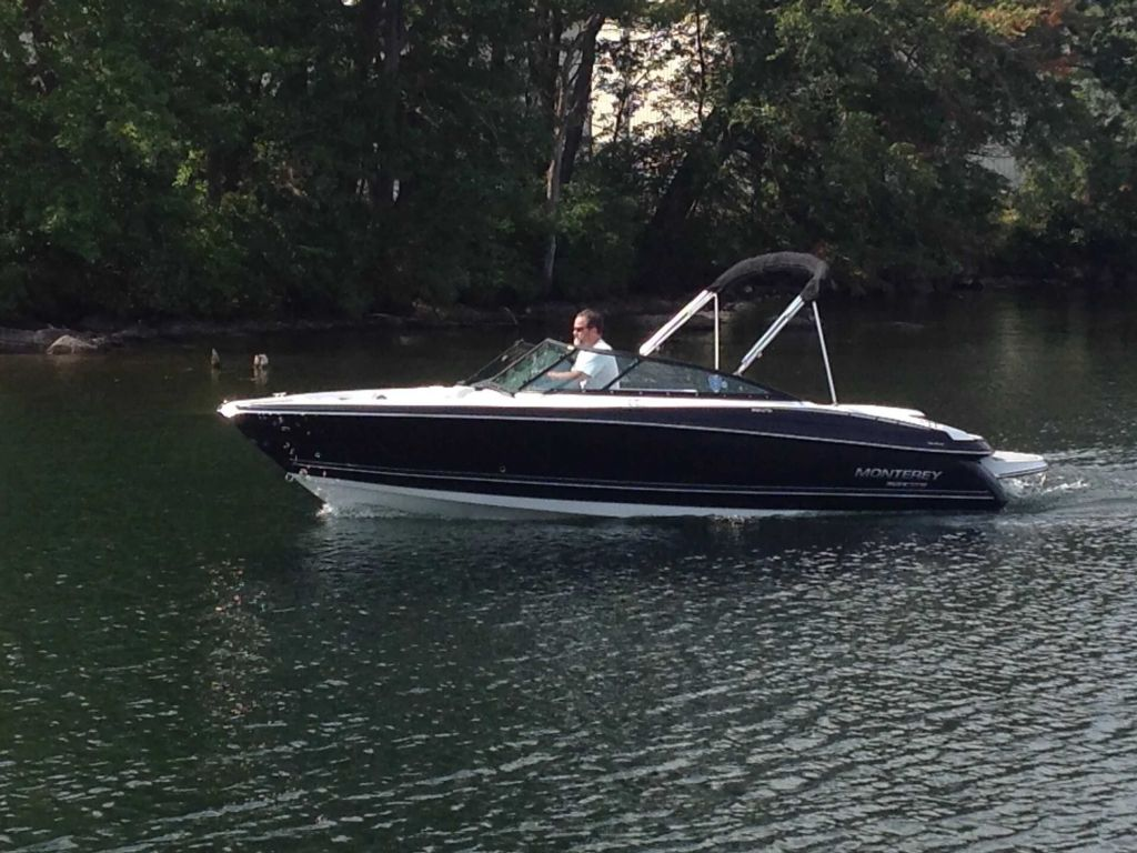 2022 Monterey boat for sale, model of the boat is 224FS & Image # 2 of 12