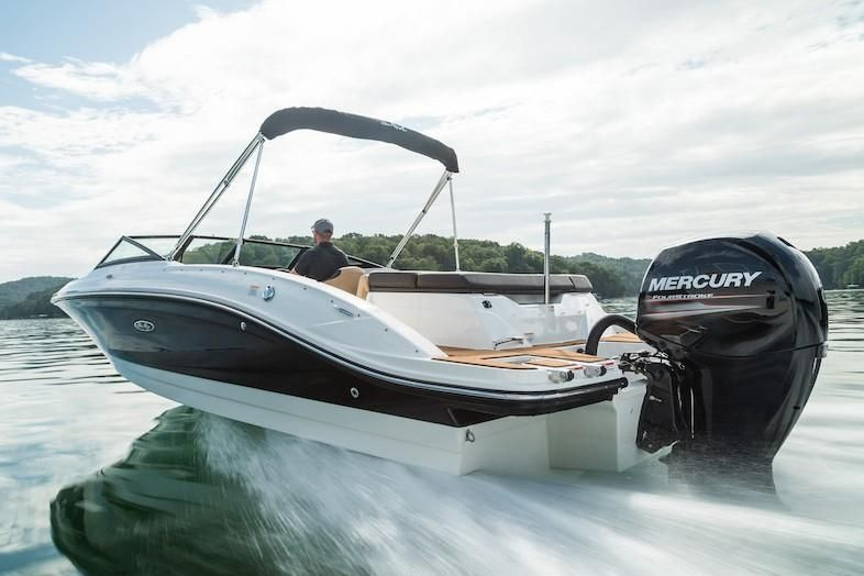 2019 Sea Ray boat for sale, model of the boat is SPX 210 OB & Image # 7 of 16