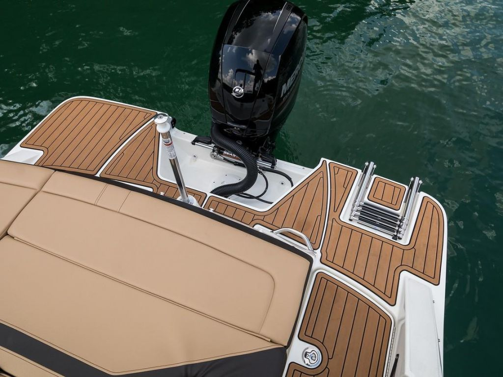 2019 Sea Ray boat for sale, model of the boat is SPX 210 OB & Image # 2 of 16