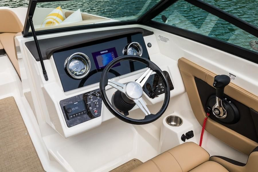 2019 Sea Ray boat for sale, model of the boat is SPX 210 OB & Image # 11 of 16
