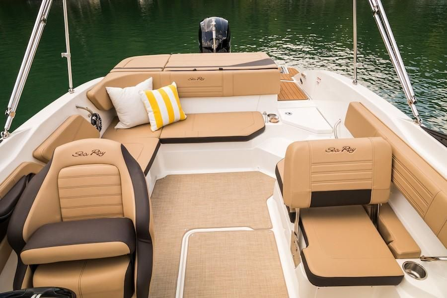 2019 Sea Ray boat for sale, model of the boat is SPX 210 OB & Image # 15 of 16