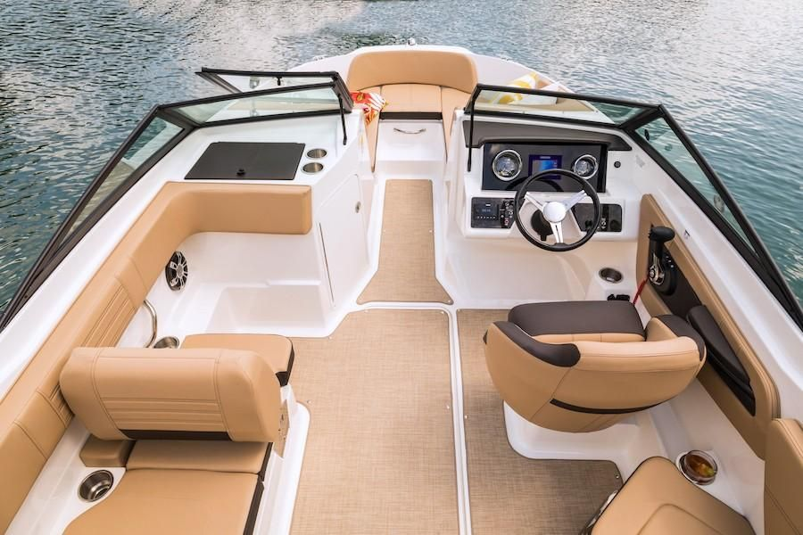 2019 Sea Ray boat for sale, model of the boat is SPX 210 OB & Image # 14 of 16