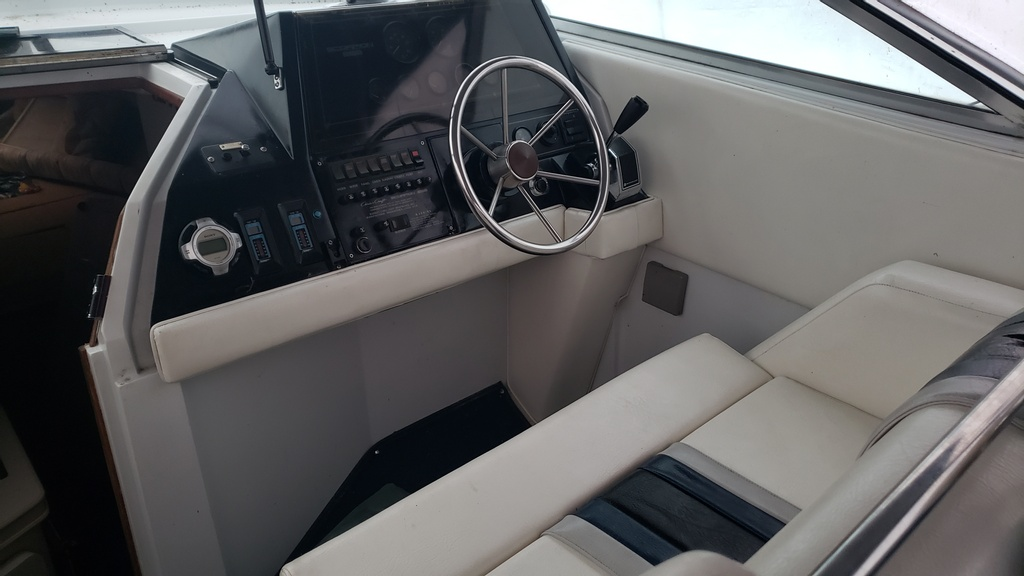 1986 Chris Craft boat for sale, model of the boat is Scorpion Aft Cabin & Image # 16 of 28