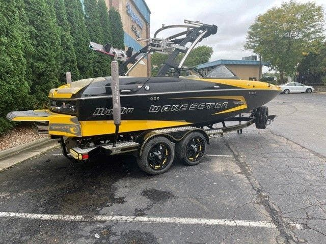 2014 Malibu boat for sale, model of the boat is 20 MXZ & Image # 2 of 20