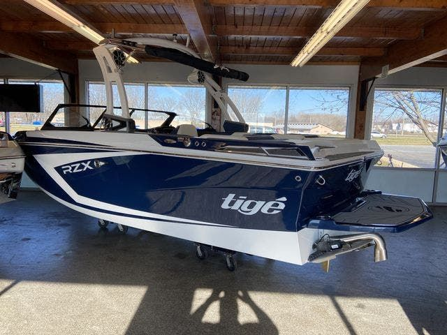 2021 Tige boat for sale, model of the boat is 20-RZX & Image # 1 of 12