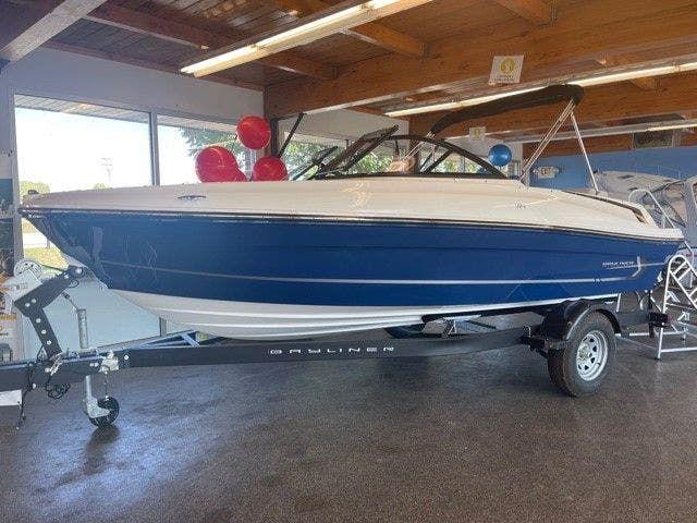 2022 Bayliner boat for sale, model of the boat is 18-VR4 & Image # 1 of 12