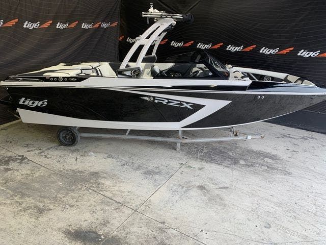 2021 Tige boat for sale, model of the boat is 22-RZX & Image # 2 of 4