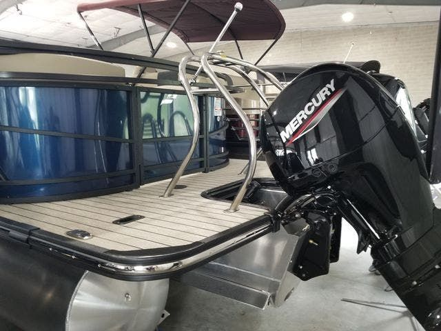 2022 Starcraft boat for sale, model of the boat is SLS3TT & Image # 2 of 12