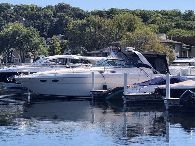 1999 Sea Ray boat for sale, model of the boat is 380 SUNDANCER & Image # 1 of 28