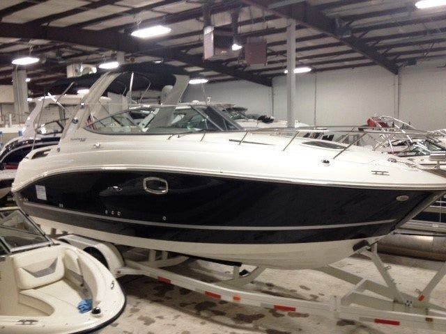 2012 Sea Ray boat for sale, model of the boat is 260 SUNDANCER & Image # 2 of 26