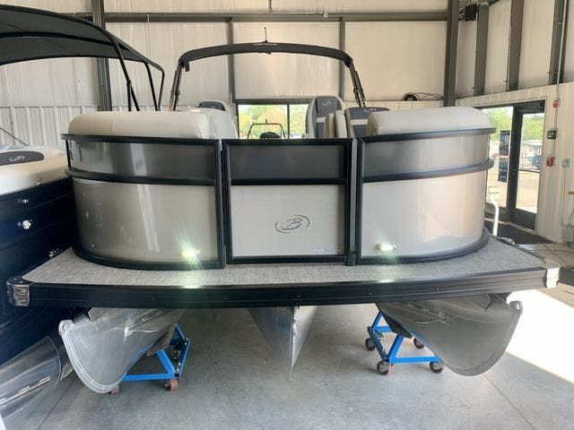 2022 Barletta boat for sale, model of the boat is C22UCTT & Image # 2 of 26