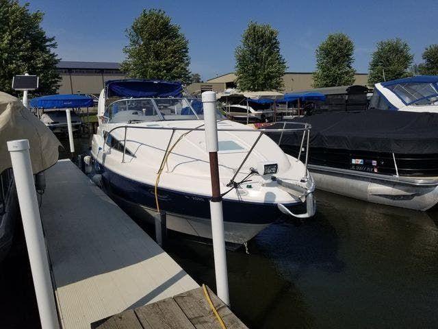 2004 Bayliner boat for sale, model of the boat is 285SB & Image # 1 of 23
