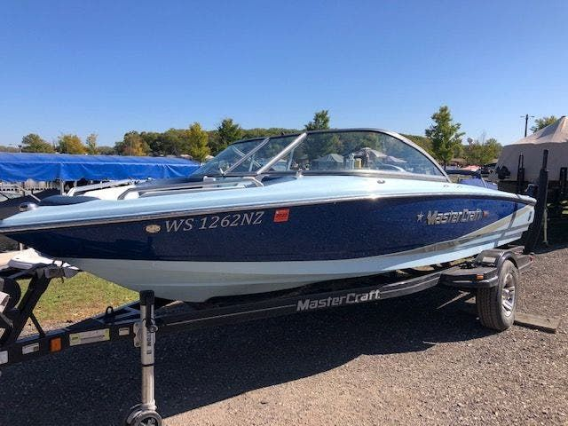 2013 Mastercraft boat for sale, model of the boat is 197 PROSTAR & Image # 2 of 25