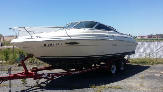 2000 Sea Ray boat for sale, model of the boat is 215EC & Image # 2 of 7