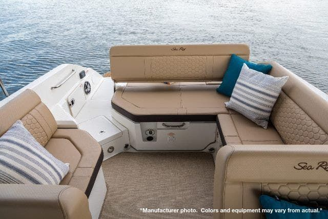 2022 Sea Ray boat for sale, model of the boat is 250SDX & Image # 2 of 8
