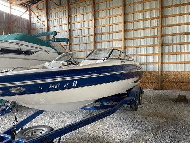 2006 Glastron boat for sale, model of the boat is 235GX & Image # 2 of 10