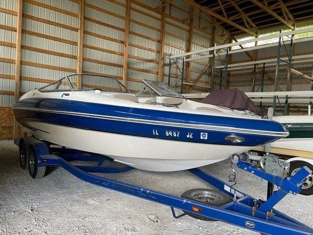 2006 Glastron boat for sale, model of the boat is 235GX & Image # 1 of 10