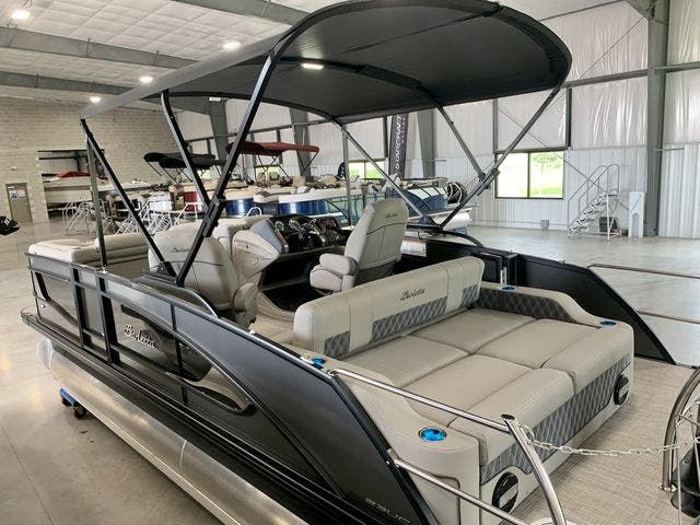 2022 Barletta boat for sale, model of the boat is L23UCTT & Image # 2 of 38