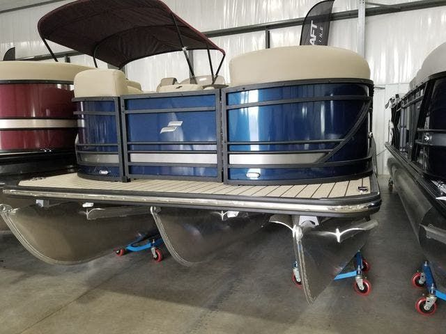 2022 Starcraft boat for sale, model of the boat is SLS3TT & Image # 1 of 12