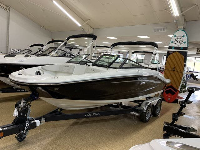 2021 Sea Ray boat for sale, model of the boat is 190SPX & Image # 1 of 12