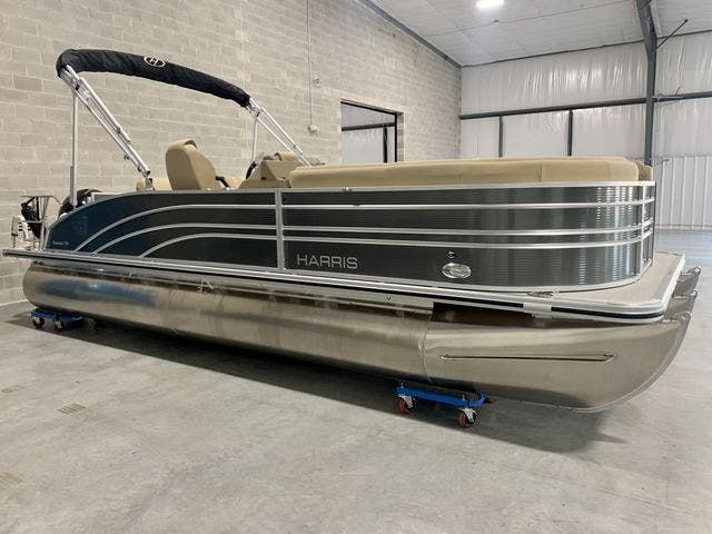 2021 Harris boat for sale, model of the boat is 230Sun/SLDH/TT & Image # 1 of 13