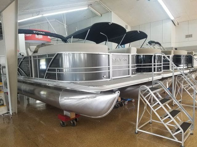 2021 Sylvan boat for sale, model of the boat is 8522MirageCNF & Image # 1 of 10
