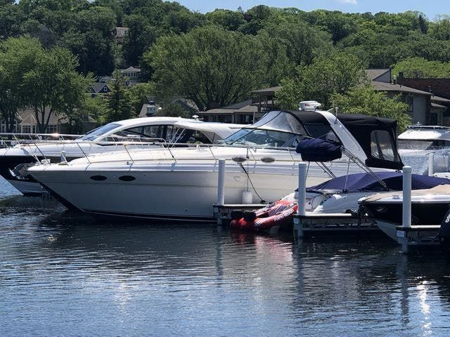 1999 Sea Ray boat for sale, model of the boat is 380 SUNDANCER & Image # 2 of 28