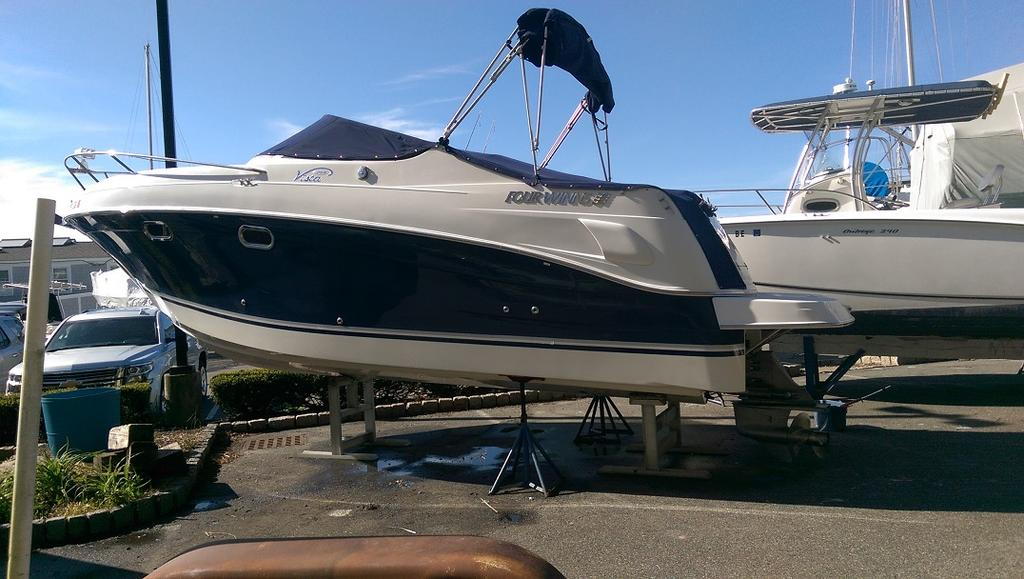 2004 Four Winns boat for sale, model of the boat is Vista 268 & Image # 4 of 14