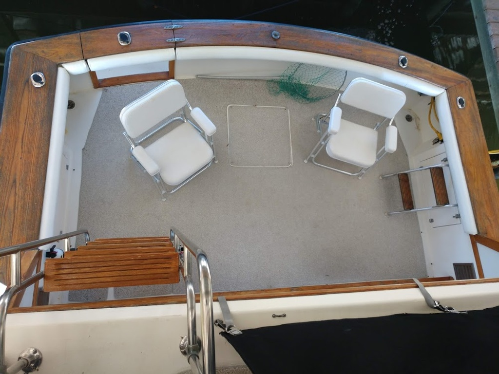 1989 Egg Harbor boat for sale, model of the boat is 37 Convertible & Image # 3 of 12